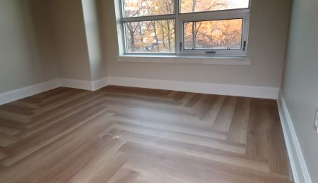 classic baseboard trim in bedroom - baseboard installation toronto